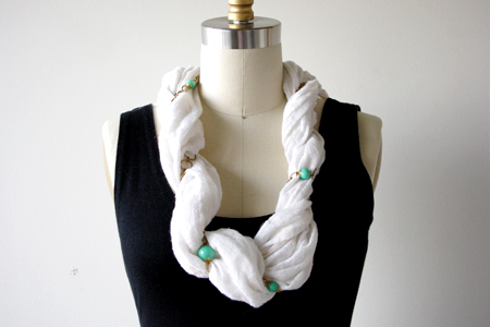 scarf_twisted